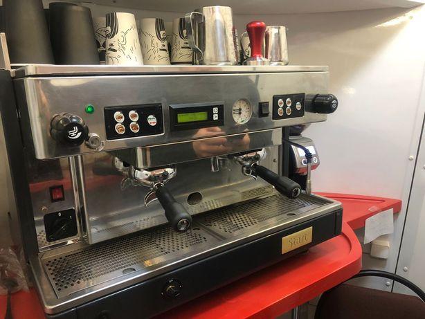 Профессиональная кофемашина и кофемолка