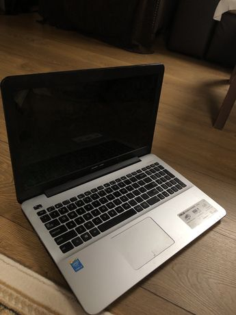 Laptop Second Hand Asus x555L
