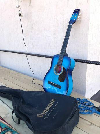 Продам гитара 18 тыс с чехлом отлично состояние