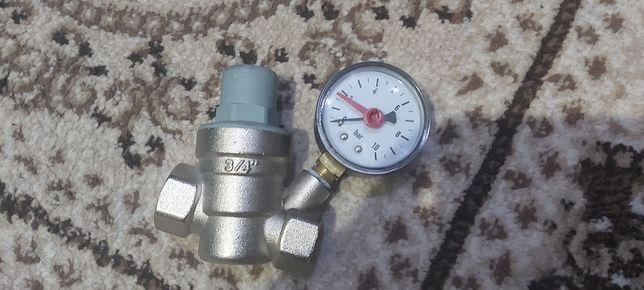 Редуктор давление воды воздуха и манометр