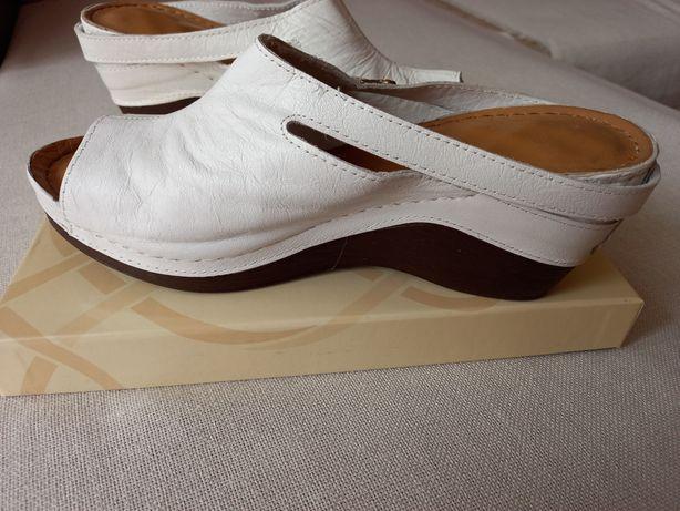 Летняя женская кожаная обувь