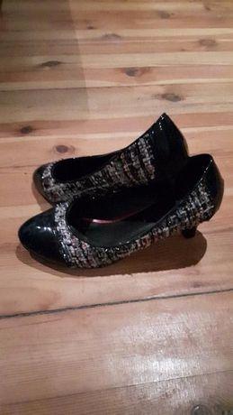 Различни разновидности на Дамски обувки