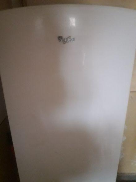 хладилник с фризер Whirlpool