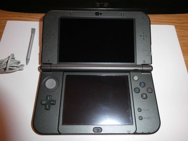 Consola - NEW NINTENDO 3DS XL NEW + Stylus Pen + Jocuri !