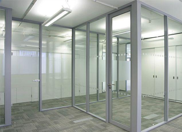 Аллюминиевые конструкции,витражи,перегородки,входные группы.
