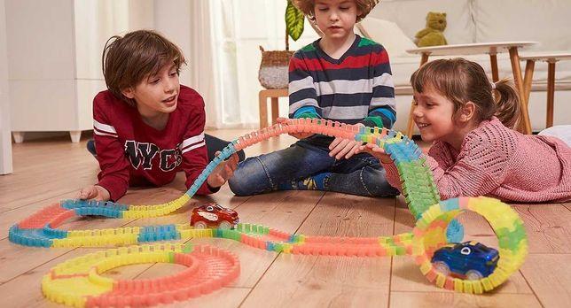 Оригинальный детский конструктор Magic Tracks со светящейся дорожкой