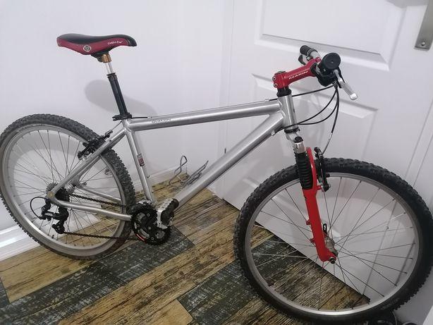 Bicicleta Marin aluminiu