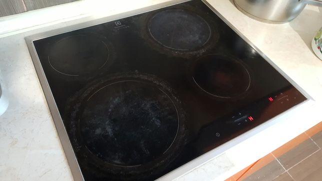 Индукционная плита Electrolux.