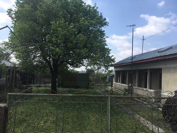 Vand casa cu gradina, 1700m teren