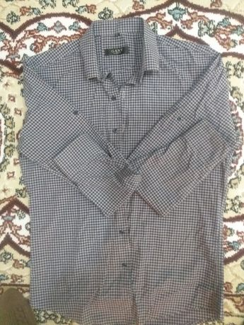 Рубашка,брюки в отличном состоянии