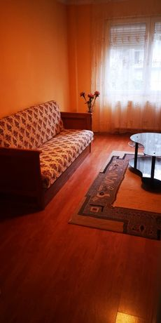 Apartament de inchiriat cu 3 camere si 2 bai