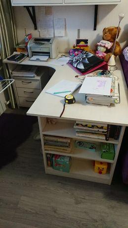 Для дома или офиса. Письменный стол и подставка под ТВ