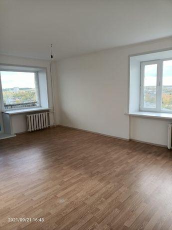 Продаем 2 х ком квартира в высотном доме 3 -22