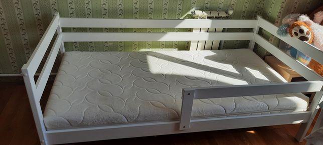 Срочно продам две кровати 90×180 производства Россия берёза.