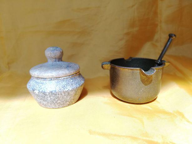 Vand set mini-mojar din alama si mini-recipient din piatra