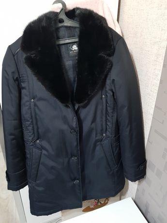 Продам зимнюю куртку, классика