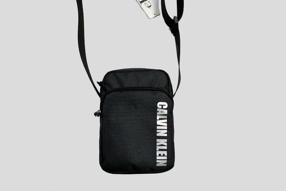 Calvin Klein чанта през рамо