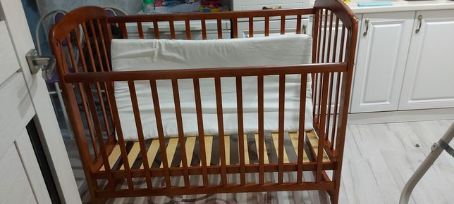 Детская кровать . Хорошом  состояние