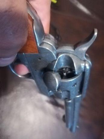 Артилерийски вариант на револвер Колт - реплика