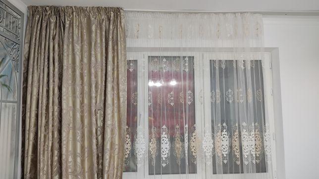 Тюль и шторы в отличном состоянии продам недорого