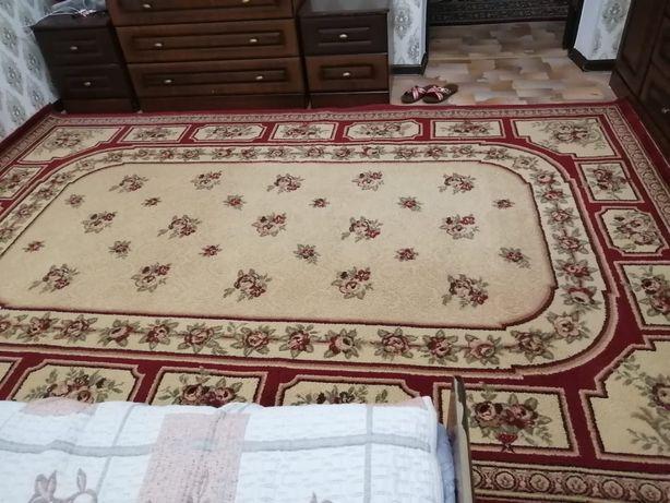 Продаётся два ковры