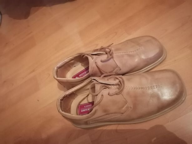 Vând pantofi de piele
