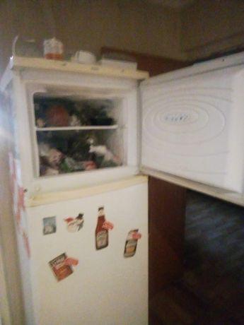 Продам Холодильник и стиральную машинку