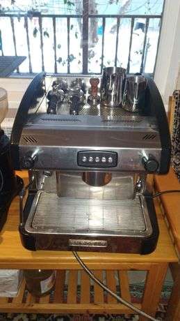 Продам кофе машину !
