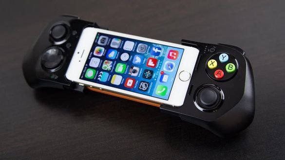 MOGA ACE™ POWER Controller Джойстик за Iphone 5, 5s, 5c и iPod touch