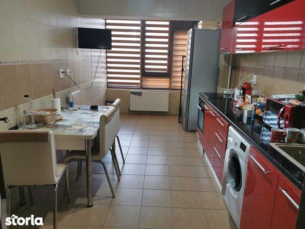 Apartament cu 3 camere Cosbuc -T-uri