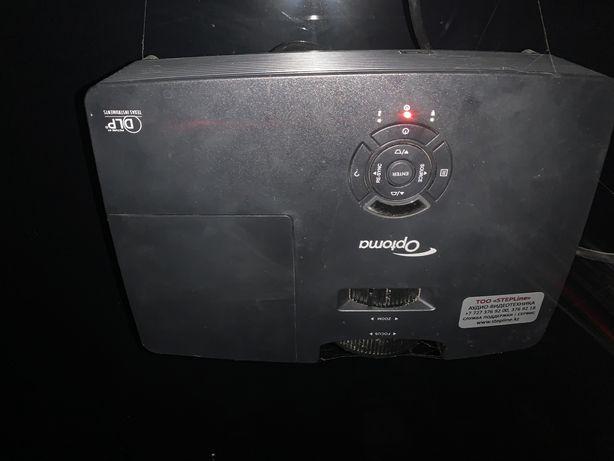 Продам проектор Optoma