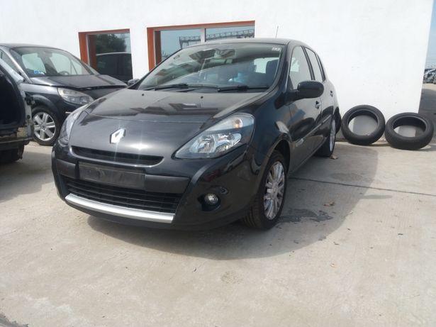 Dezmembrez / dezmembrari Renault Clio 3 2006-2013