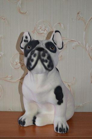 Продам красивую статуэтку в виде собаки, хорошего качества