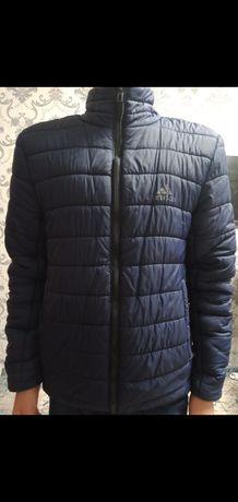 Продам куртку Адидас подростковые 4000