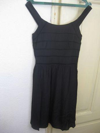 Черна рокля Naf Naf