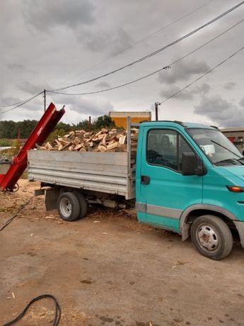 Дърва за огрев 180лв на ТОН от дъб и цер нарязани и нацепени по избор