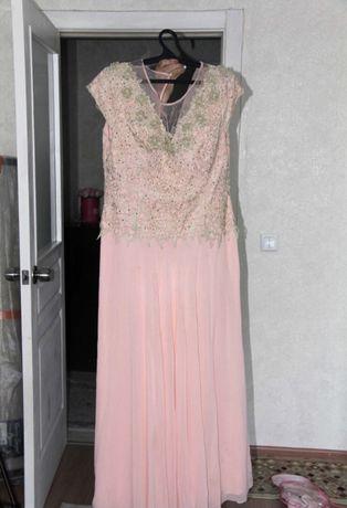 Женское вечернее платье. Как новый