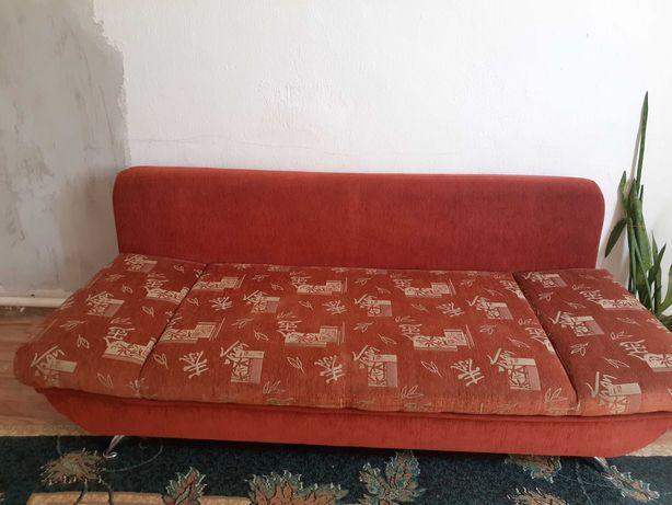 Срочно продаётся диван раскладной