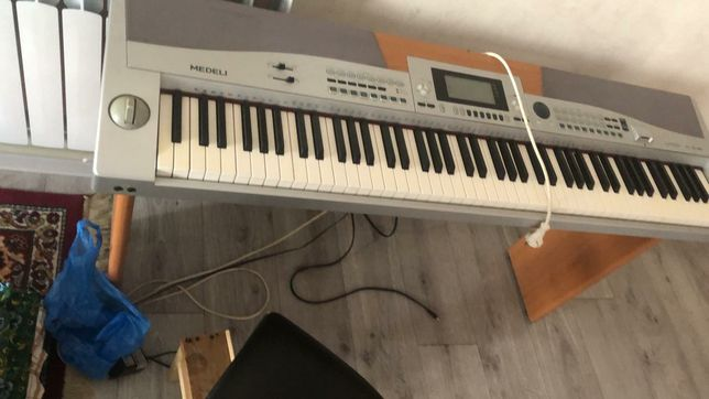 Синтезатор Medeli Sp5500