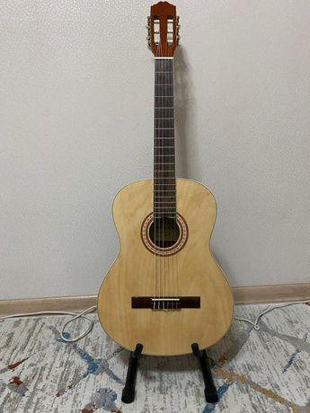 Продам классическую Гитару Adagio-KN39N цена договорная
