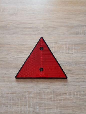 Triunghi reflectorizant – Catadioptru