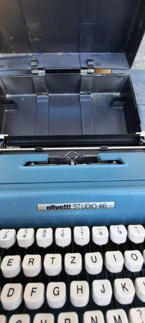 Masina de scris .