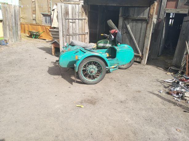 Мотоцикл.   Урал
