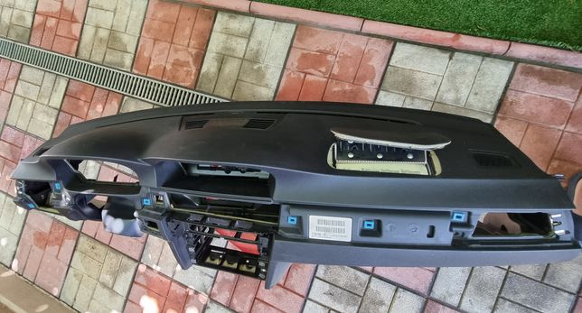 Plansa bord cu navigatie e90,91,93 an 2009 sarita + airbag dreapta