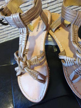 Sandale din piele, Carvela
