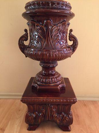 Декоративна керамична масивна ваза с поставка