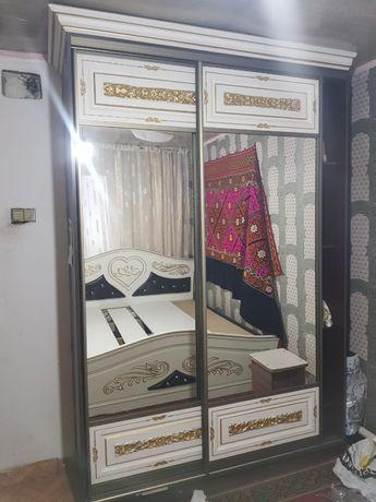 Мебель шкафы крават 140000