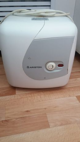 Аристон  вместимостью15 л