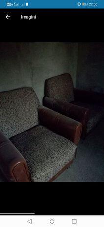 Vând doua Canapele, scaune in stare buna