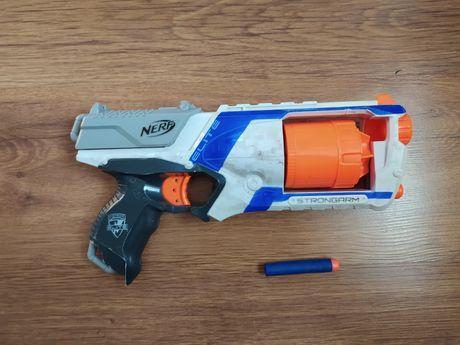 Nerf Strongarm hasbro